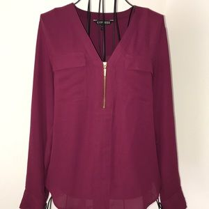 Express portofino blouse w zip front & two pockets